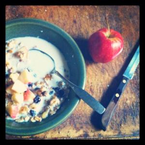 Instead of reaching for that bagel & cream cheese, munch on my favorite breakfast: granola mix with diced apples and non-fat milk. Filling morning fuel.